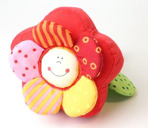 Babyspielzeug Rassel Fidelia von vorne